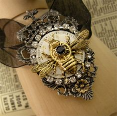 Sadly no shipping to Austral8a from this shop Hey, I found this really awesome Etsy listing at https://www.etsy.com/au/listing/93001241/steampunk-queen-bee-necklace-queen-bee