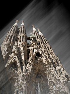 """Titulo: """"SAGRADA FAMILIA (Barcelona)"""" Foro: FOTO DE ARTE Y ARQUITECTURA Autor: Mª Mercedes Yañez García Graphic Designer Pais: España http:/..."""