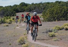 Many Santa Fe visitors come for the arts, food and architecture, but the city is increasingly becoming a top outdoors destination, particularly among mountain-bikers. Book the best rentals in Santa Fe, NM https://www.airbnb.com/rooms/2562597