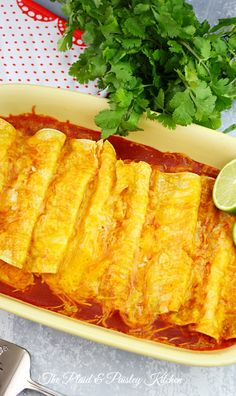 Cheese and Onion Enchiladas ~Just like a Mexican restaurant. Now in your kitchen! This would be a great addition to any Mexican Meal Mexican Dishes, Mexican Food Recipes, New Recipes, Cooking Recipes, Nachos, Burritos, My Favorite Food, Favorite Recipes, Good Food
