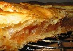 pompe aux pommes Desserts Français, French Desserts, Bruschetta, Apple Pie, Lasagna, Healthy Life, Biscuits, Menu, Ethnic Recipes