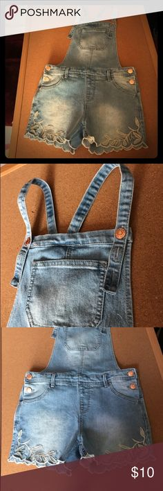 Cat & Jack Denim Romper Medium wash denim adds a distinctive and worn-in touch,   Adjustable straps make for a customized fit !!! cat & Jack Bottoms Jumpsuits & Rompers