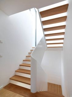 Fashion and Lifestyle Stairway Decorating, Stair Decor, Modern Stairs, House Stairs, Aesthetic Design, Staircase Design, Stairways, Interior, Friedrich