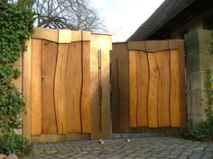 Courtyard gate wood metal a dream of fence-Hoftor Holz Metall ein Traum von Zaun … Courtyard gate wood metal a dream of fence More - Privacy Panels, Privacy Fences, Garden Deco, Backyard Sheds, Entrance Gates, Outdoor Living, Outdoor Decor, Fence Design, Garden Gates