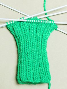 Crochet Bikini, Knit Crochet, Knitting Socks, Mittens, Diy, Crafts, Crocheting, Knit Socks, Fingerless Mitts