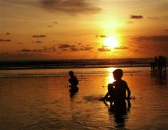 Sunset di tanah anarki