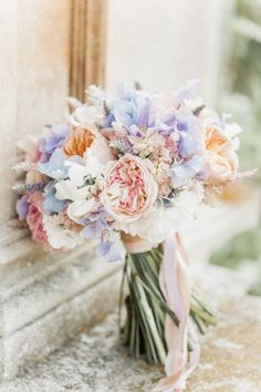 Wedding Bouquet Maggie Sottero for a flower filled country garden wedding. Photography by Naomi Kenton. - Maggie Sottero for a Colour and Flower Filled English Country Garden Wedding Summer Flowers, Beautiful Flowers, Flowers Garden, Flowers Dp, Pastel Flowers, Beautiful Bride, Deco Champetre, Country Garden Weddings, Country Wedding Colors