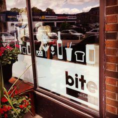Cafe logo and branding, exterior signage, environmental graphics. caisepulis.com