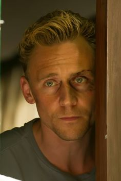 Tom Hiddleston in The Night Manager. Photo by Des Willie. Full size image: http://ww2.sinaimg.cn/large/6e14d388gw1f18kd1esmaj21kw11ugq4.jpg Source: https://www.facebook.com/media/set/?set=a.1139134676098900.1073741840.195385450473832&type=3 Via: Precursor Press & Torrilla