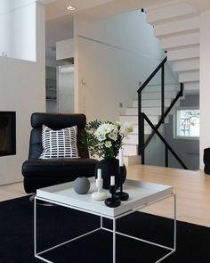 Stylish Home Decor, Beautiful Houses Interior, Interior, Peaceful Home, Living Room Style, Home Decor, Room Inspiration, House Interior, Loft Inspiration