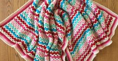 Skein and Hook: Wylie Baby Blanket - The colors in this baby blanket pattern are so striking!