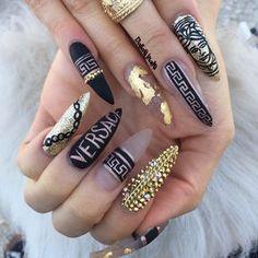Gucci Nails for sale Bling Nails, Glam Nails, Dark Nails, Hot Nails, Bling Bling, Luxury Nails, Best Acrylic Nails, Trendy Nails, Pedicure