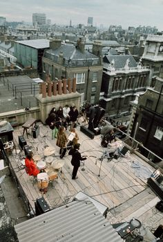 The Beatles' last live performance together on the rooftop of Apple Records headquarters in London, 1969 The Quarrymen, The Row, Jackson, John Lennon, Swinging London, Great Love Stories, Royal Albert Hall, Madison Square Garden, The Fab Four