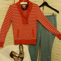 DROP! Banana Republic Top 15% OFF BUNDLES EUC Hoodie pocket, long sleeves, stripes... Great warm shirt! Banana Republic Tops