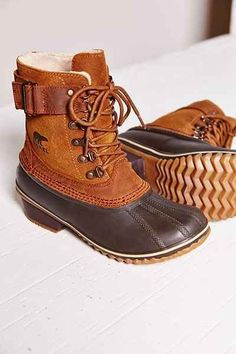 Perfect winter boots-Sorel Winter fancy lace-up boot (insolated, waterproof duck boots) or something like these LL Bean, Pajar etc. Fashion Mode, Look Fashion, Winter Fashion, Curvy Fashion, Crazy Shoes, Me Too Shoes, Uggs For Cheap, Over Boots, Mode Shoes