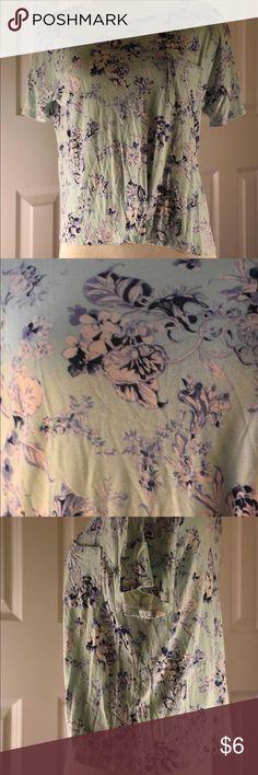 Fun floral t Blue floral tshirt - not long - halter length Tops Tees - Short Sleeve