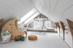 8 Creative Ideas Can Change Your Life: Cozy Attic Apartment Therapy small attic bedroom.Attic Diy Built In Bed. Attic Bedroom Small, Attic Bedroom Designs, Attic Playroom, Attic Loft, Attic Design, Loft Room, Attic Spaces, Kids Room Design, Bedroom Loft