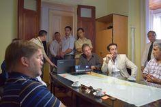 RELEVAMIENTO DE SEGURIDAD EN PUERTO QUEQUÉN    Pulgar arriba en relevamiento de la Seguridad en Puerto Quequén El Ministerio de Seguridad de la Nación resaltó los estándares de seguridad de la estación marítima del sudeste bonaerense. Las autoridades de la Secretaría de Seguridad de Frontera del Ministerio de Seguridad de la Nación que conduce Patricia Bulrich y la Dirección de Seguridad Portuaria de la Provincia de Buenos Aires visitaron Puerto Quequén en el marco de un relevamiento sobre…