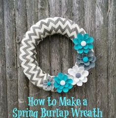 How to Make a Spring Burlap Wreath Tutorial. #wreaths #DIY #crafts