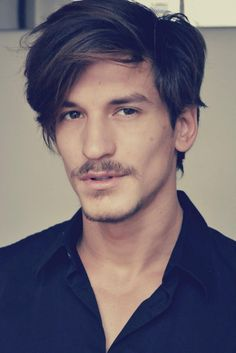 Jarrod Scott - The most handsome man in the world! Mens Hairstyles With Beard, Hair And Beard Styles, Haircuts For Men, Cool Hairstyles, Short Hair Styles, Men's Haircuts, Jarrod Scott, Moustaches, Most Handsome Men