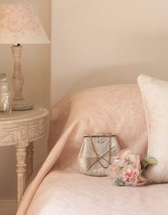 Decorating With French Inspiration!por Depósito Santa Mariah