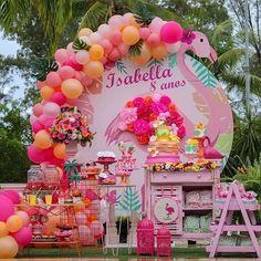 Encanto de festa com o tema Sereia! Penguin Birthday, Flamingo Birthday, 11th Birthday, Birthday Parties, Flamenco Party, Baby Shower Deco, Baby Bash, Tent Decorations, Tropical Party