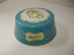 VINTAGE ANTIQUE TIN POWDER BOX -  by BARET WARE in ENGLAND  BOUDOIR SET CHELSEA