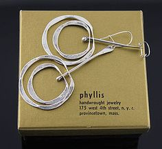 Phyllis Sklar Modernist Sterling Kinetic Earrings 1950 -- Could hammer self from wire, add texture with hammer marks? Stylish Jewelry, Modern Jewelry, Metal Jewelry, Silver Jewelry, Jewelry Crafts, Jewelry Art, Jewelry Design, Contemporary Jewellery, Designer Earrings