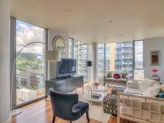Adi's Glamorous Apartment in the Sky - Martha Stewart Nimbus Cloud