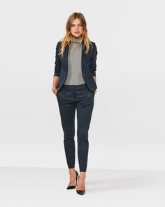 Wear to Work Outfit Ideas. Womens Casual Office Fashion ideas and dresses. Womens Work Clothes Trending in 34 Outfit ideas. Business Professional Outfits, Business Outfits, Business Fashion, Business Suits For Women, Business Wear, Mode Outfits, Office Outfits, Office Attire, Work Attire