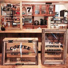 Bakery Shop Design, Coffee Shop Design, Cafe Design, Coffee Shop Counter, Best Barber Shop, Bakery Display Case, Mini Cafe, Small Coffee Shop, Pub Interior