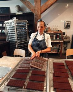 Been to one- 10 Chocolate Shops Worth Traveling For: La Maison du Chocolat, Mast Brothers, and More - Condé Nast Traveler Autocad, Mast Brothers Chocolate, Best Chocolate, Chocolate Bars, Chocolate Shoppe, Chocolate Boutique, Making Chocolate, Chocolate Desserts, Chocolate Packaging