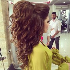 Shop our online store for Brown hair wigs for women.Brown Wigs Lace Frontal Golden Yellow Hair From Our Wigs Shops,Buy The Wig Now With Big Discount. Frontal Hairstyles, Up Hairstyles, Straight Hairstyles, Wedding Hairstyles, Bridal Hairstyle, Hairstyle Ideas, Medium Ash Blonde Hair, Blonde Wig, Hair Medium