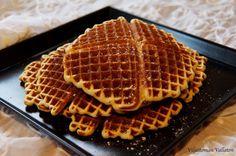 Viljattoman Vallaton: Kookosvohvelit Everyday Food, Smoothies, Waffles, Cooking, Breakfast, Smoothie, Kitchen, Morning Coffee, Waffle