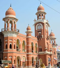 The Clock Tower in Multan, Pakistan by Junaidahmadj