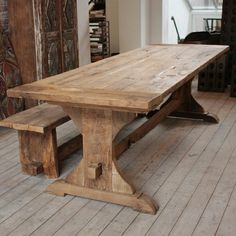 Diy Rustic Table Farmhouse - A farmhouse table is called its own neutral and earthy colors. Normally, rustic farmhouse table has a major size with complete wooden substance at which a lot of them have rectangular shapes. Reclaimed Wood Dining Table, Farmhouse Kitchen Tables, Wooden Dining Tables, Wooden Kitchen, Rustic Table, Dining Room Table, Trestle Table, Oak Table, Outdoor Dining