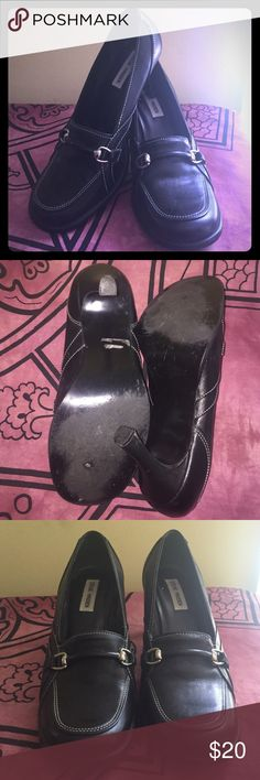 Steve Madden Gotti Leather Pumps Early 2000's gently worn, but in EUC! Steve Madden Shoes Heels