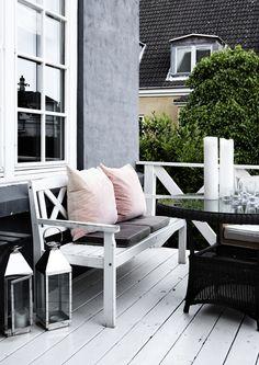 pink, black, white home interiors #exteriors #patio furniture