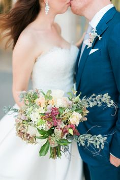 Organic late summer hues bridal bouquet with Hydrangea and soft greens. photo: French Grey Photography