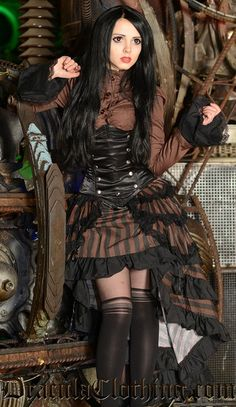 Chicas Steampunk -steampunk skirts   Home / Steampunk Layer Bustle Skirt