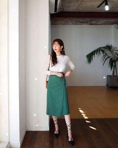 Modest Outfits, Skirt Outfits, Modest Fashion, Skirt Fashion, Casual Outfits, Fashion Dresses, Korea Fashion, Asian Fashion, Trendy Fashion