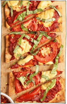 This Vegan Pizza Margherita is made with a thin crust, homemade tomato sauce, and vegan mozzarella for a delicious plant-based classic pizza. Vegan Pizza Recipe, Vegan Recipes, Vegan Food, Vegan Meals, Vegan Grilling, Grilling Recipes, Vegetable Pizza Recipes, Vegan Mozzarella, Homemade Tomato Sauce