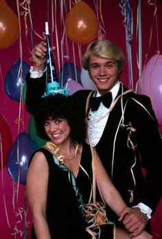 thats-the-way-it-was: Dick Clark's New Year's Rockin' Eve 1980 Hosted by Erin Moran and John Schneider in Los Angeles December 1979 Photo: ABC 1980s Tv Shows, Old Tv Shows, Erin Moran, John Schneider, American Bandstand, New Year Photos, Thats The Way, Classic Tv, Favorite Tv Shows