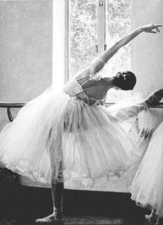 Ballerina chic - mylusciouslife.com - luscious ballerina1.jpg
