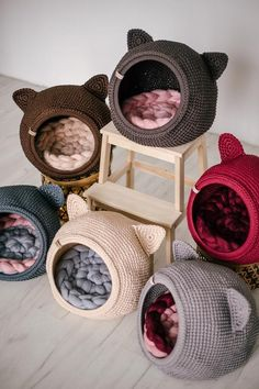 Gifts For Pet Lovers, Cat Gifts, Dog Furniture, Modern Cat Furniture, Gato Crochet, Knitted Cat, Cat Cave, Unique Animals, Animal House