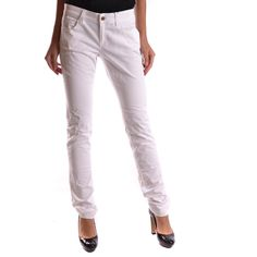 Jeans Gucci NN150. main Color white Terms New: with label Gender Woman Made In Italy Size: IT season Spring / Summer Clothing Type jeans.