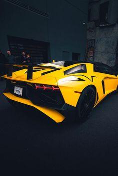 desvre vehicles Lamborghini.