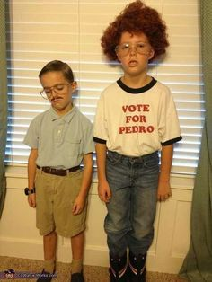 "Original caption: ""Pedro and Napoleon Dynamite"" A-HEM. That is KIP and Napoleon Dynamite! Doug Funnie, All Meme, Costume Works, Youre My Person, Halloween Disfraces, Halloween Costumes For Kids, Family Halloween, Funny Halloween, Costumes Kids"