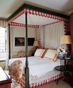 Gloucestershire | Interior Design | Robert Kime Ltd. | Antiques | Fabrics | Wallpapers | Furniture | Lighting | Carpets | Accessories |
