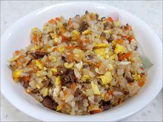 볶음밥을 자주 해먹는 편입니다. 1주일에 1번 정도 볶음밥을 자주 하다보니 나름의 노하우도 생깁니다. 이런 저런 레시피들도 따라해보고 했고 결국은 제 스타일로 다시 돌아오네요. 깔끔 담백함 위주의 저만의 노.. Korean Food, Ratatouille, Fried Rice, Fries, Oatmeal, Food And Drink, Cooking Recipes, Breakfast, Ethnic Recipes